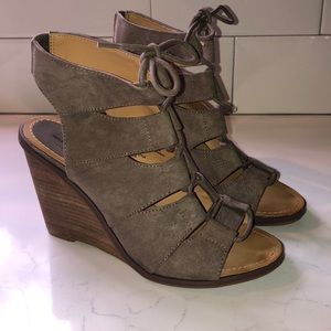Melrose and Market lace up wedges